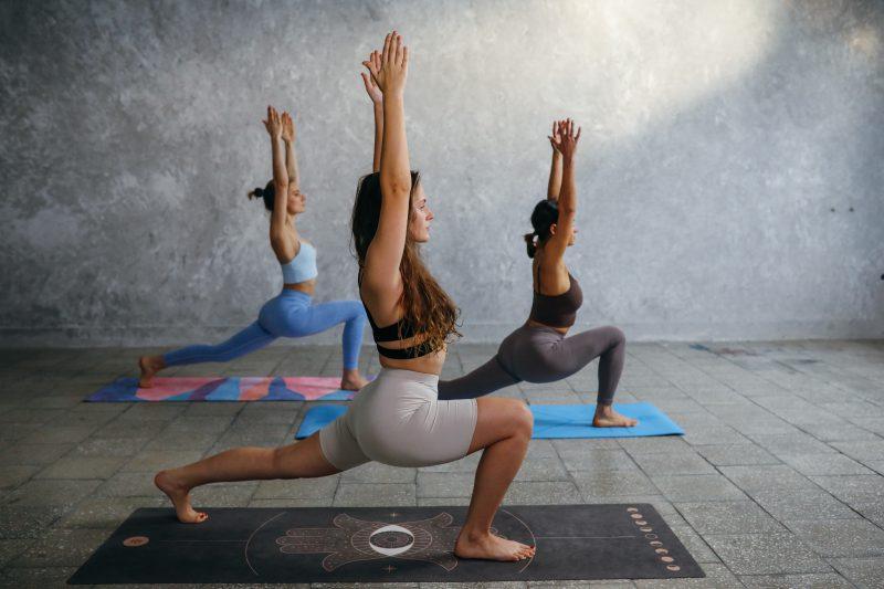 Yoga, Pilates und Fitnesskurse by Sandra Winterhalter